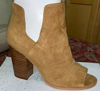pair of brown suede chunky heeled boots Ridgefield, 98642