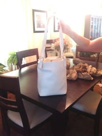 Like-New Bloomingdales Purse Handbag Largo