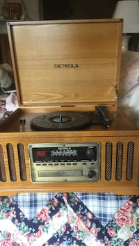 Detrola turntable cd and am and fm Keizer, 97303