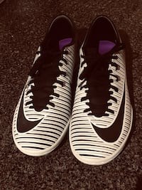 Indoor soccer cleats Mississauga, L5N