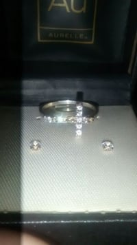 Selling sliver earings and ring woman's 100$  Hamilton