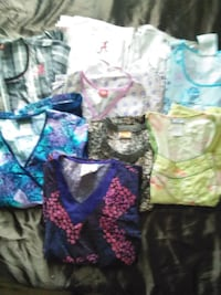 Scrubs.tops 4$ and pants $5 ea or all for 50 $ Bay Minette, 36507