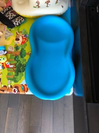 Baby's blue bumbo changing pad 新威斯敏斯特, V3M 4Z8
