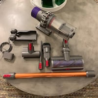 Dyson V10 Absolute —including 4 attachments, charging dock and an extra air filter ! Los Angeles, 90068