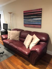 Leather couch for sale.  90 x 38 in Montréal, H4E 2V2