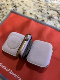 New! Apple Watch Series 4, 40mm Gold Aluminum Case (GPS) Silver Spring
