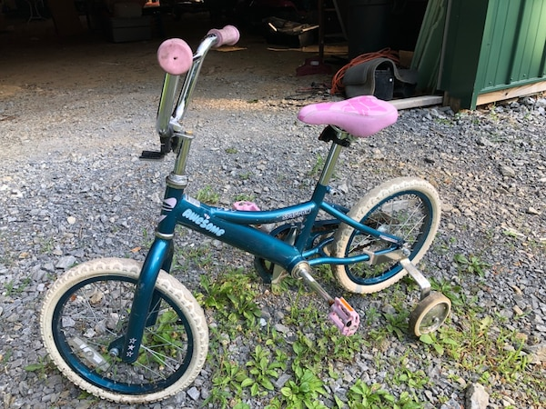 Girls pink Sparrow performance bike 053c8b23-0bf4-4efd-b70a-226f01b0ad10
