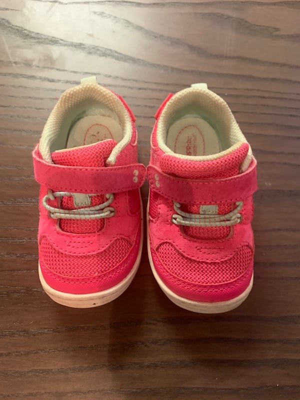 Pink Size 5 toddler sneakers c27b00cd-9cdd-4d53-9adc-855ee36f1145