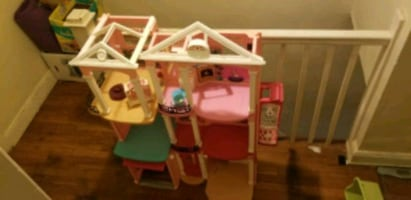 Children doll house