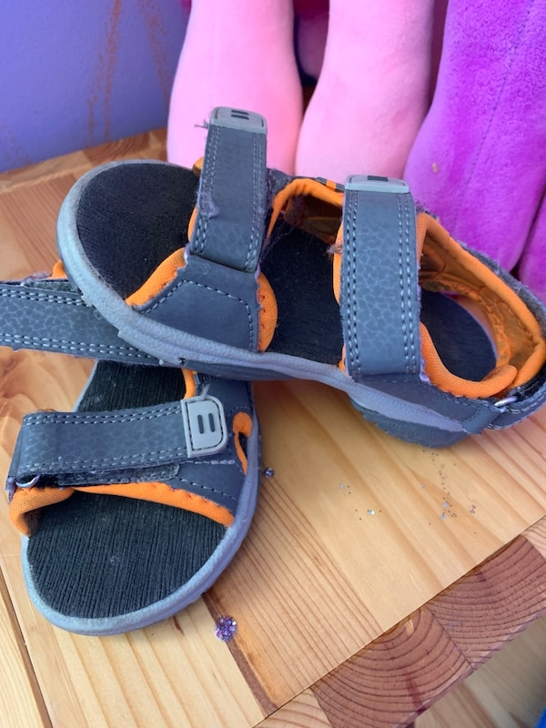 8T sandals good used condition