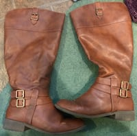 American eagle wide calf brown boots size 8 Aldergrove, V4W 3G1