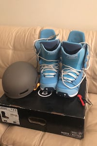 Men's snowboard boots (10.5) and helmet Vancouver, V5Z 1C7