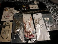 Accessory for ladies  mix 4000 item give me offer I am selling $1-2.99 Norcross, 30071