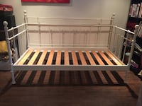 Brown and white wooden bed frame Blainville, J7C
