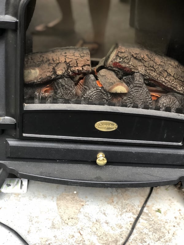Dimplex electric fireplace. Works perfectly. Excellent condition. I have no room for it. 4d365d7c-abd5-45aa-89b9-d24430d9b847