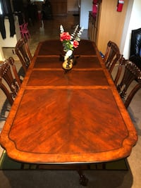 Dinning room table and chairs Gaithersburg, 20877