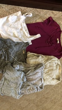 Girls Hollister bundle, 1 beaded tank top (med), 1 white lace detailed tank top (small), 1 halter printed tank top (med), 1 short sleeve purple/red tie shirt, 1 tan cardigan (small), 1 gray light cardigan ( small). They come all together and are all gentl Menasha, 54952
