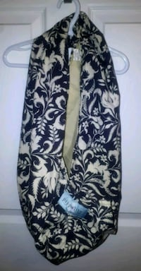 Pippalily Made in Canada cotton pouch sling.