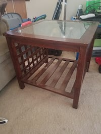 MOVING SALE *End tables*