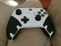 white and black Xbox One controller Barrie, L4N 8X6