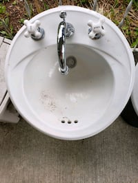 Bathroom Sinks with Faucets (2) Portland, 97224