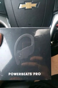 PowerBeats pro 4 sale Falls Church, 22046
