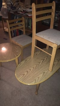 2 coffee tables & 2 chairs  Mississauga, L5R 3Y7