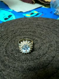 Beautiful Gold Tone Ring Silver Spring, 20901