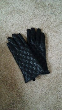 Brand new Michael Kors women's black gloves Marlow Heights, 20748