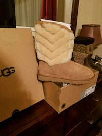 New UGG winters boots San Diego, 92120