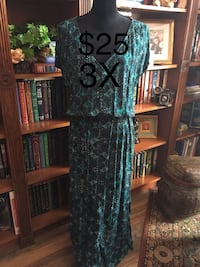 Ladies Size 3X Maxi Dress