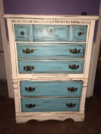 Distressed chest Canton, 39046