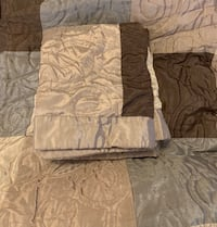 King Size Bedspread & 2 Pillow Shams - open to offers Calgary, T2Y 4B1