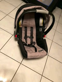 Graco infant carseat and base  Virginia Beach, 23452