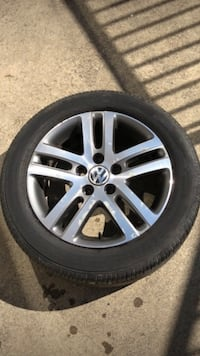 VW wheels, rims w all season tires 60% traction Surrey, V3T