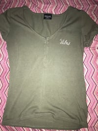 """""""vibes"""" shirt size small  Dumfries, 22025"""