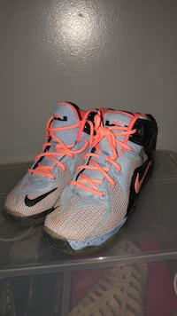 Lebrons size 2.5y Dumfries, 22026