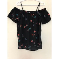 New never worn - women's black, red, and purple floral print scoop-neck blouse (M) Modesto, 95350