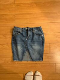 Size small jean skirt