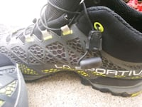 pair of black-and-gray hiking boots Woodbridge, 22191