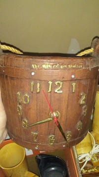 1941 bucket clock antique  Nisku