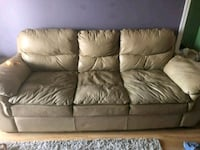 Leather couch  Grande Prairie, T8V 0P3