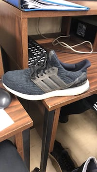 Unpaired gray and white adidas ultra boost Vancouver, V5P 1Z7