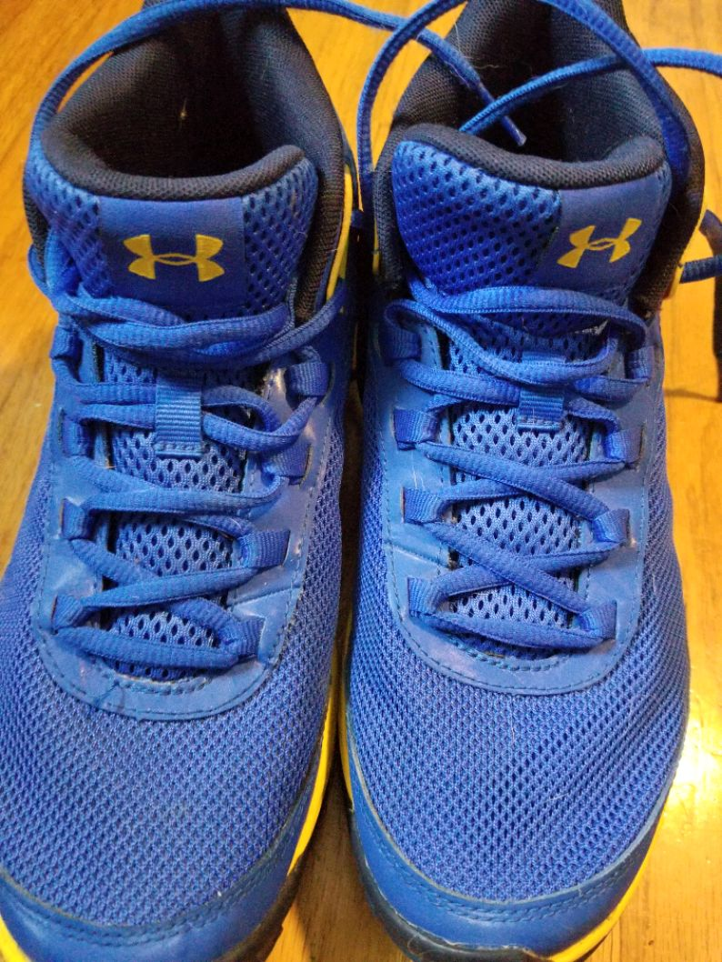 Photo Boys Under Armour shoes