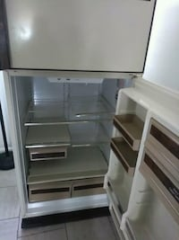 white top-mount refrigerator Windsor, N9A 3M8
