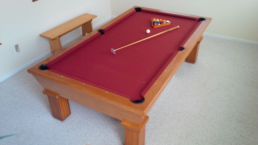 Photo Bailey 8 ft. Mahogany 1-Piece Slate Pool Table + All Accessories Including 10 Pool Cue Sticks