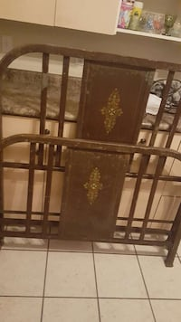 Antique Simmons metal bed frame 1917