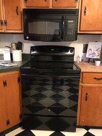 GE electric range and microwave. Good condition, will have removed and in garage for easy pickup  Malvern, 19355