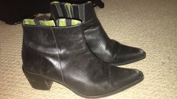 Donald j. Pliner black leather ankle boots! 7.5