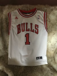 white and red Adidas Chicago Bulls 1 jersey shirt